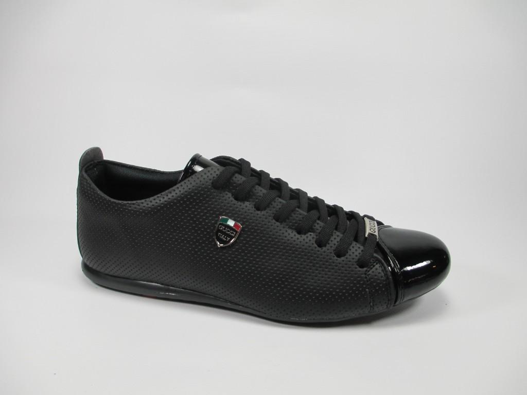 Спортни обувки на Gucci Код 03