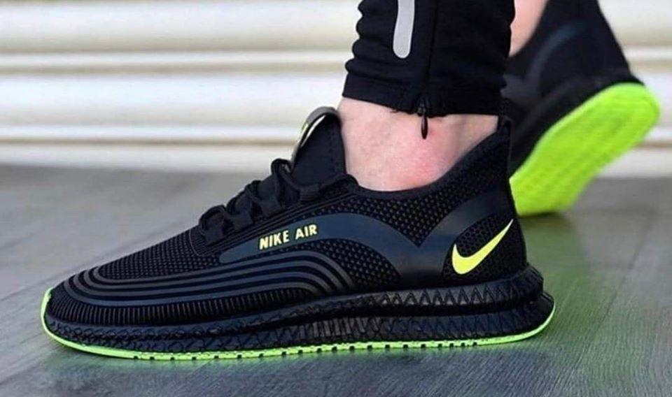 Маратонки  Nike Air 2020 черно с зелено