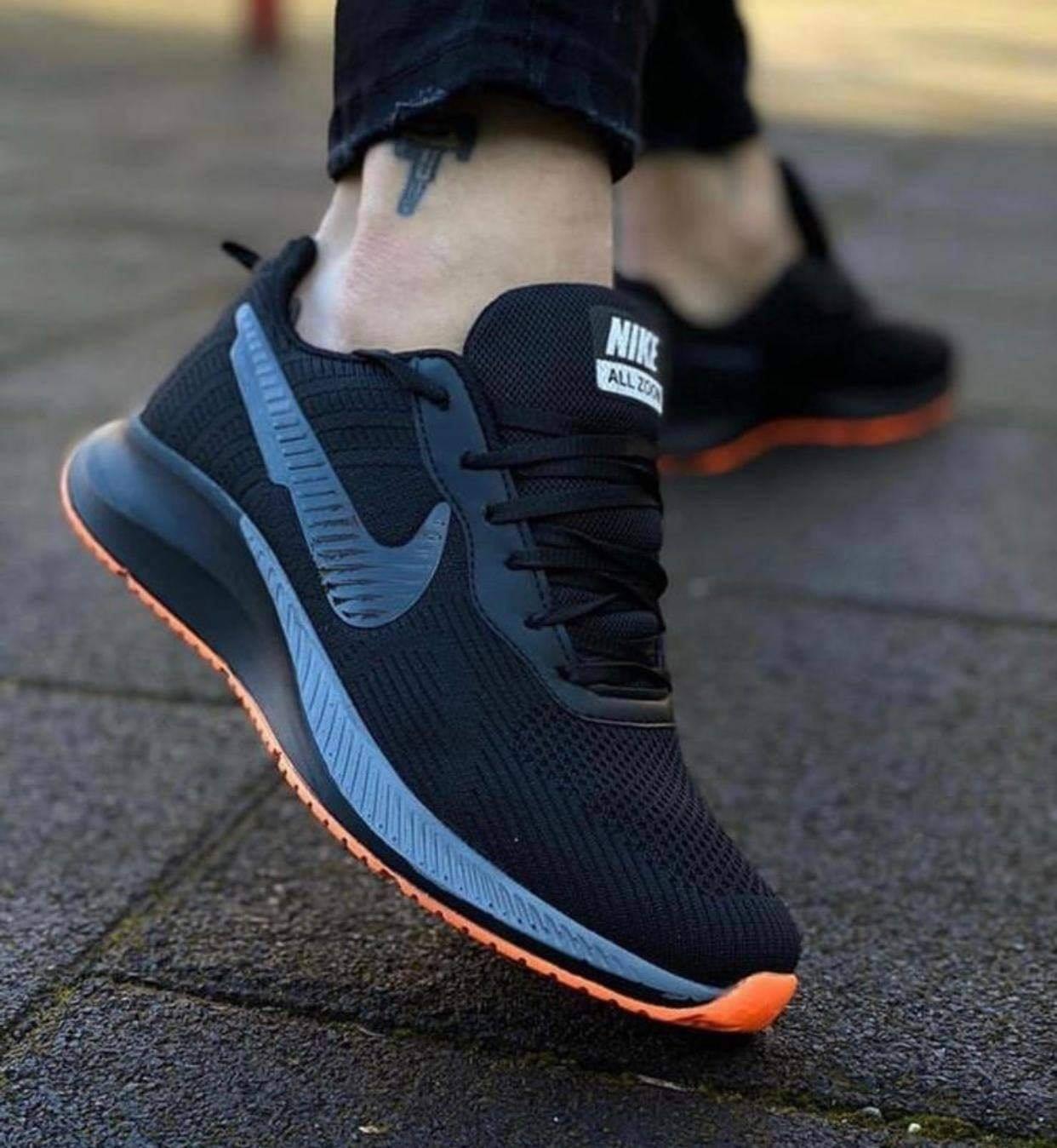 Маратонки Nike Zoom Vomero Черно-Oранжево